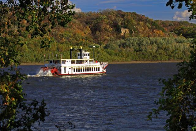 1 Mississippi River near Dubuque.jpg