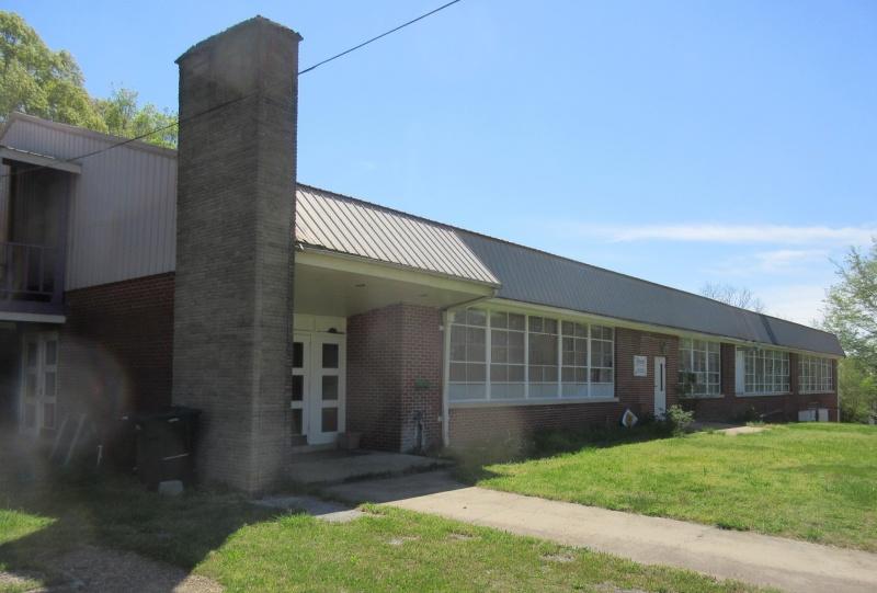 Exterior of Bernard last school.JPG