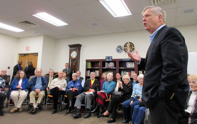 Tom Vilsack from side at Plymouth.JPG