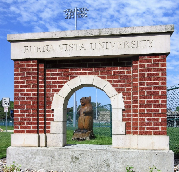 Beaver through one of the arches.JPG