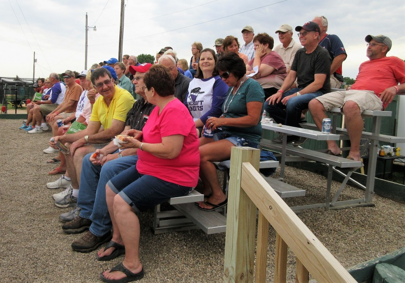 12 Great crowd in south stands too.JPG