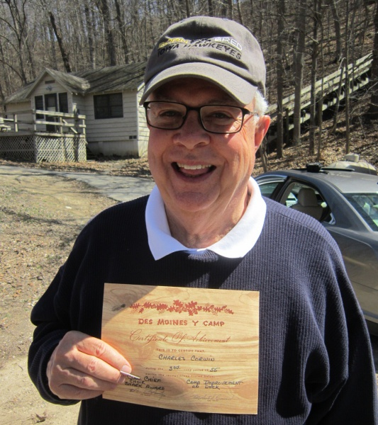 9 Chuck Corwin in 2015 with 1955 campers certificate.JPG