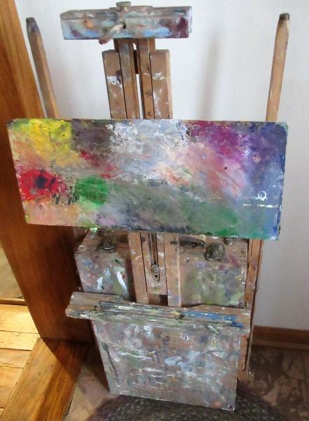 Easel ready for en plein air painting.JPG