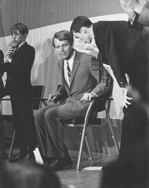 Frye Gaillard & RFK at Vanderbilt 1968.jpg