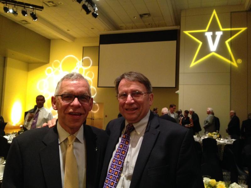 Rod Williamson & Chuck O at HOF banquet.JPG