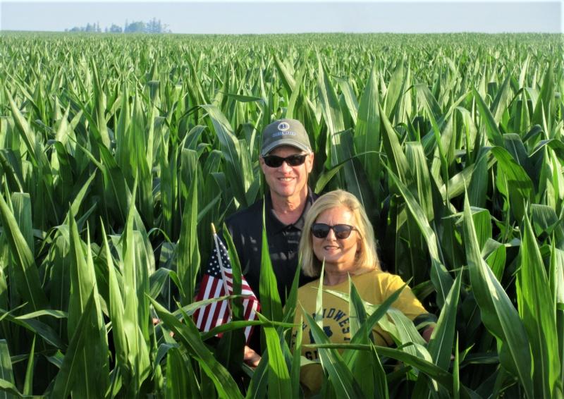 Lawtons in the corn 2.JPG