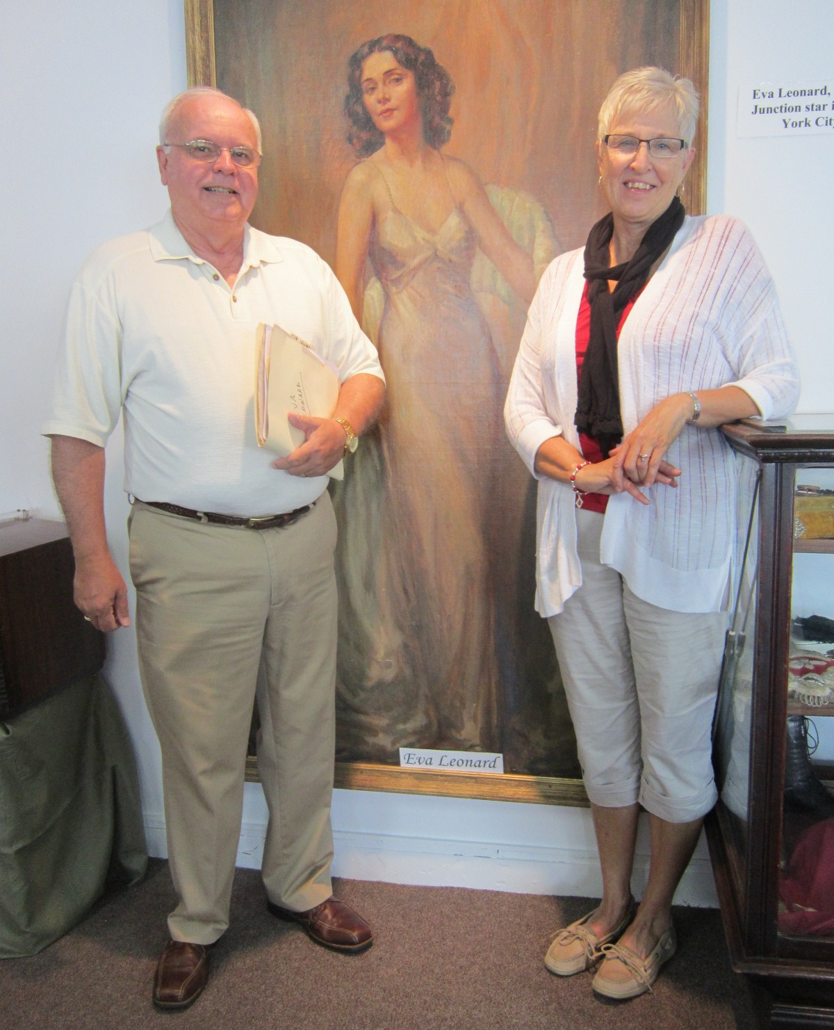 Jerry Roberts & Cheryl Nailor at Eva Leonard portrait 3.JPG