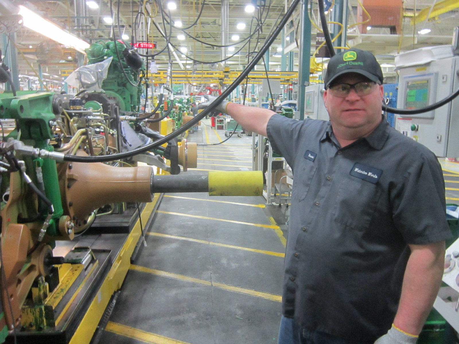 John Deere Assembly Line : Feature photos every iowan should get a chance to see
