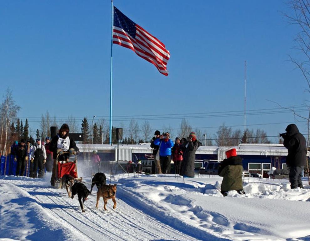 Dog sled racing 1.jpg