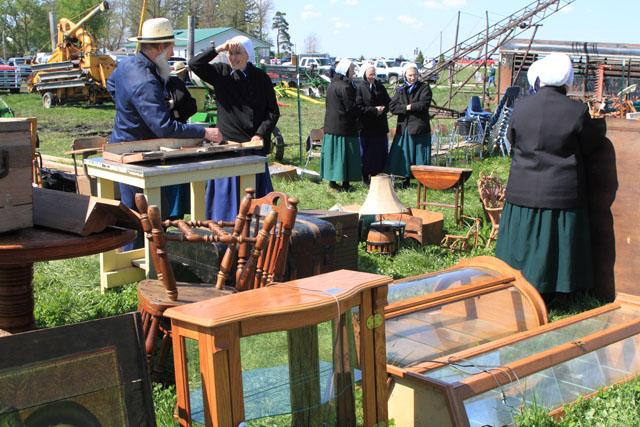 Amish Sale 5.jpg