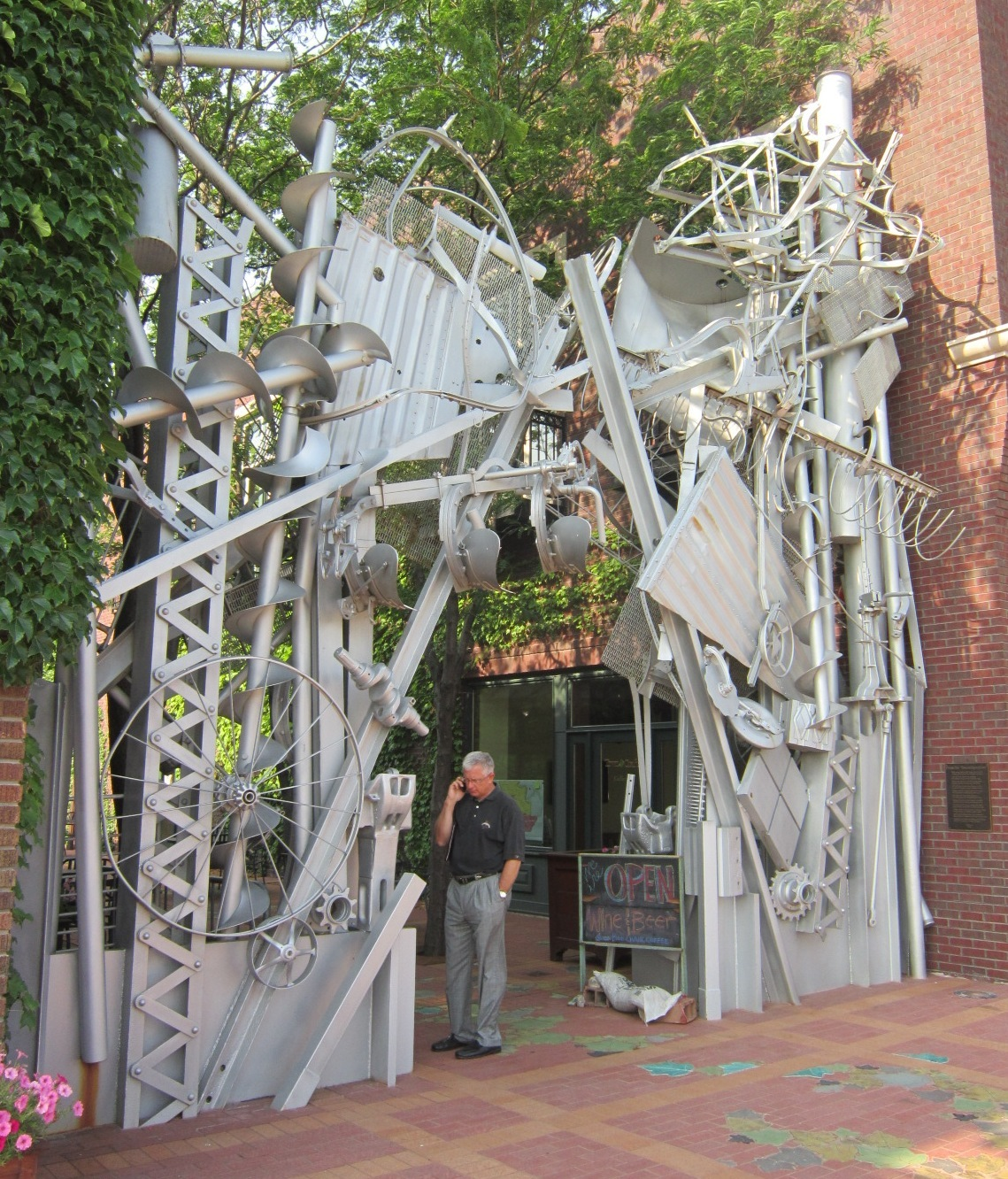 Jim Miller At Reconfiguration Arch Perry.JPG