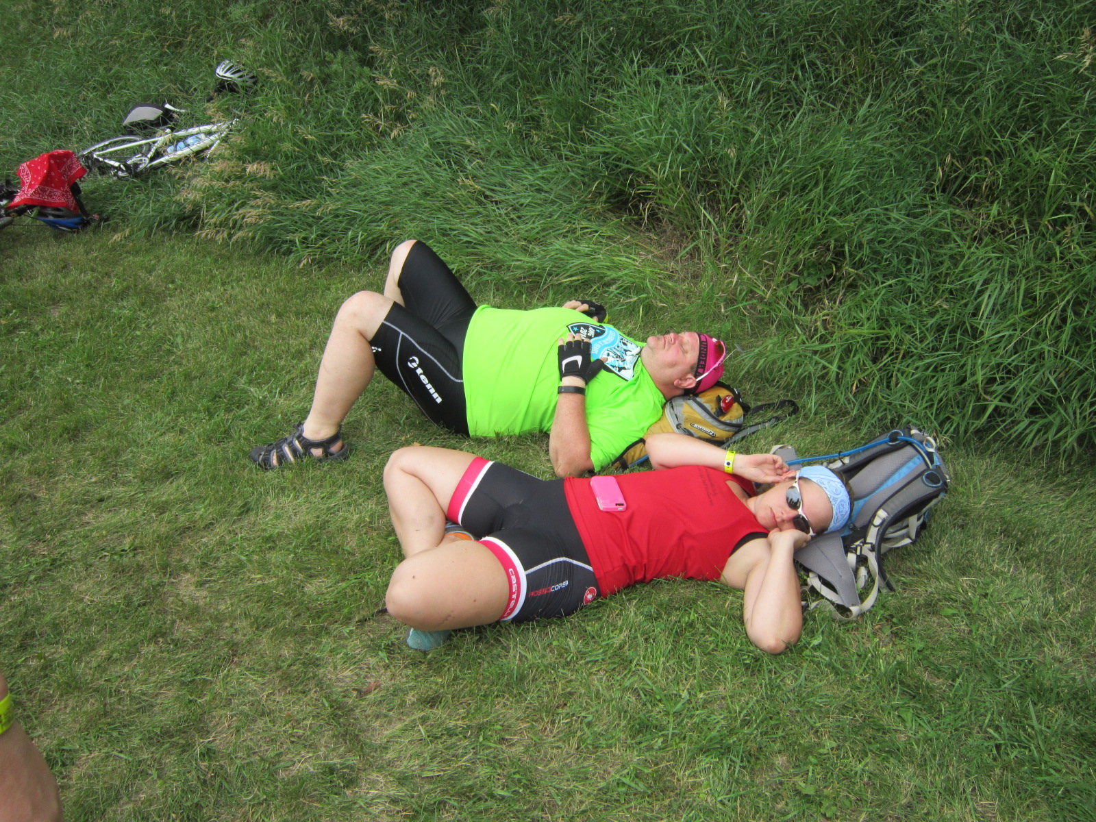 Bad looking RAGBRAI nap in a ditch July 21.JPG