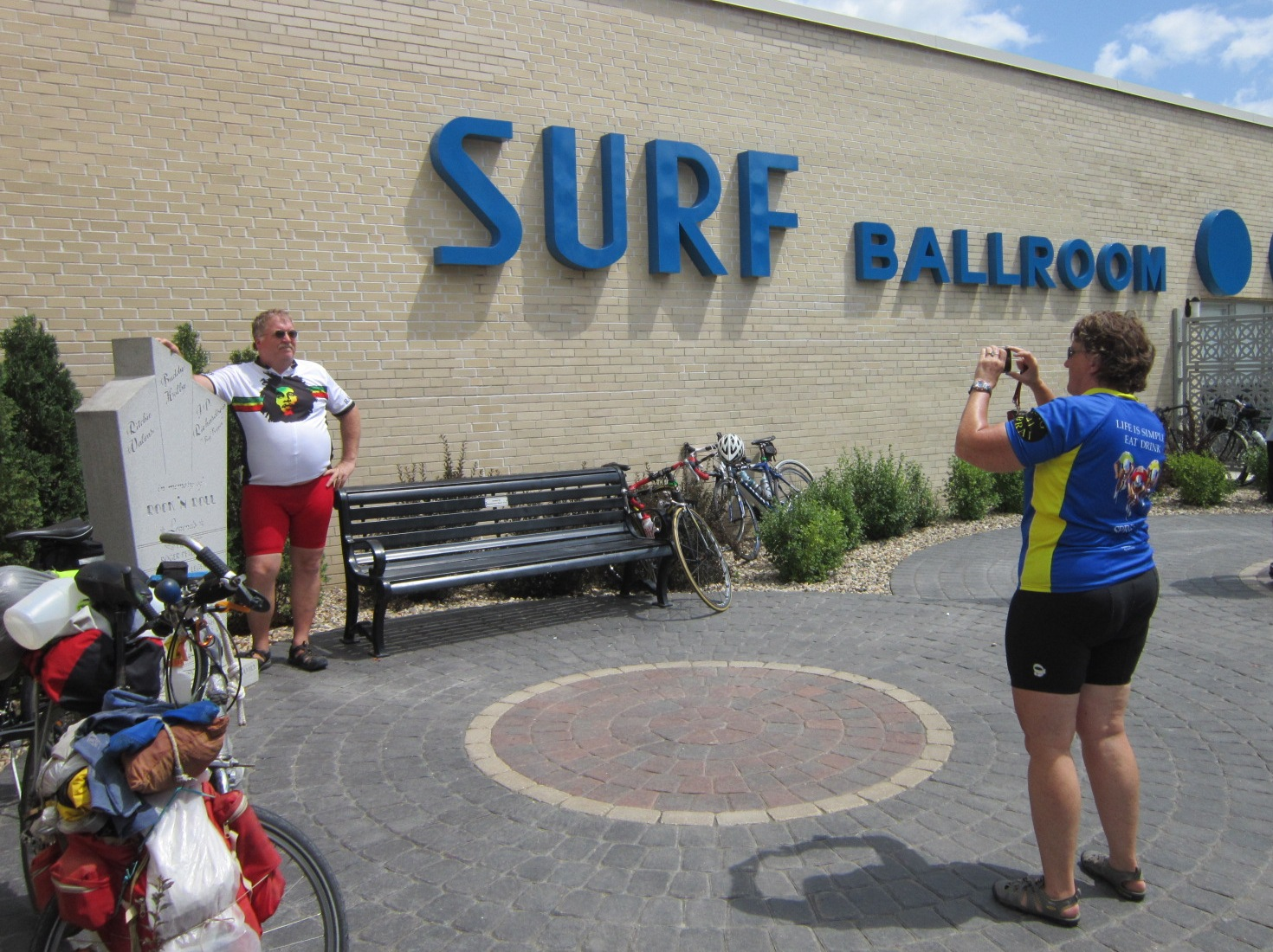 Bob & Karen Brooks Moline IL at Surf monument July 23.JPG