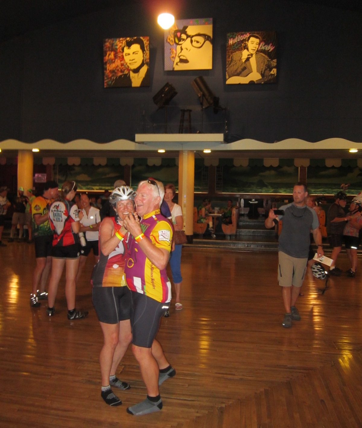 Dennis Swift & Deb Aslett of Boise dance at Surf July 23.JPG