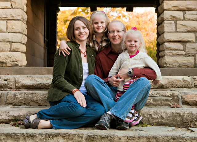 Leon & Lynn Arens and daughters Small.jpg