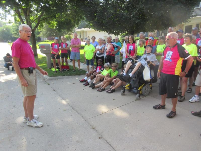 9 Cec Goettsch leads the group in Iowa Waltz.JPG