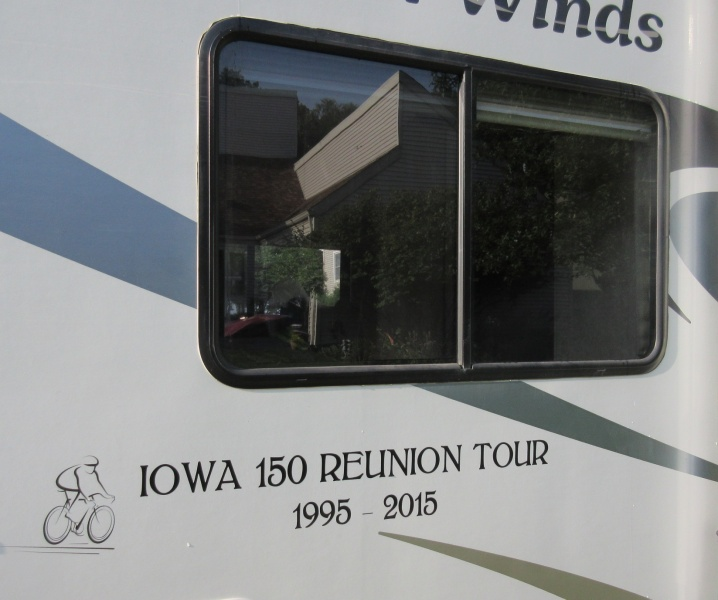 22 Willert motor home and ride HQ.JPG