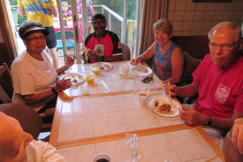 16 Smiths, Kathy Folkmann & Ces Goettsch at breakfast.JPG