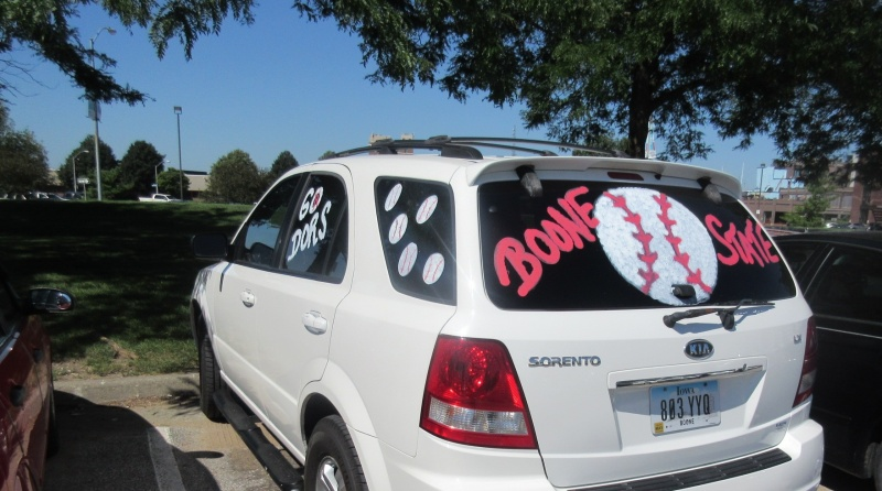 Boone fan well-decorated.JPG