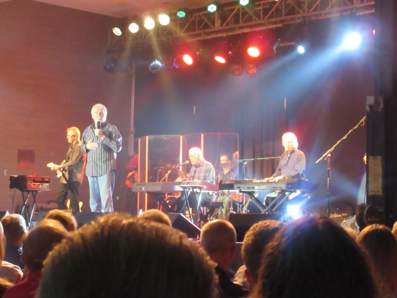 Kenny Rogers in concert.JPG