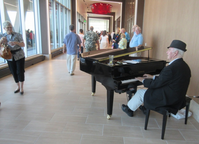 Scott Smith playing in the Promenade at Wild Rose Casino & Resort.JPG