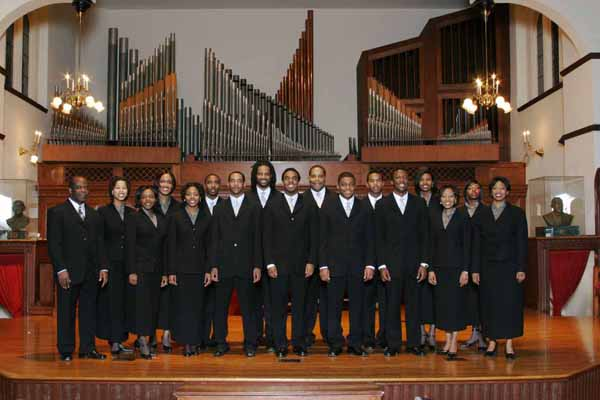 Fisk Jubilee Singers recent years.jpg