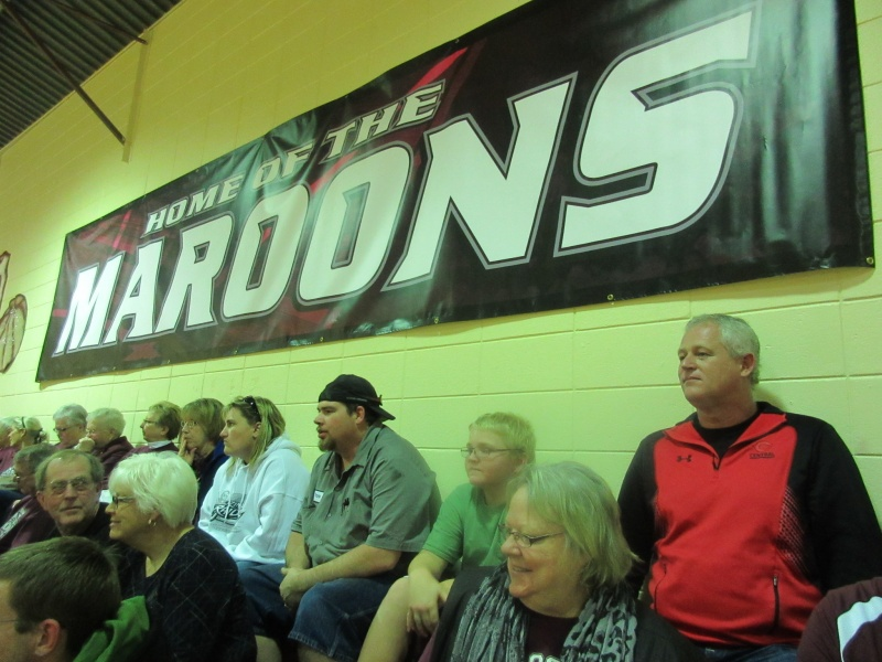 7 Faithful Diagonal fans in back rows.JPG