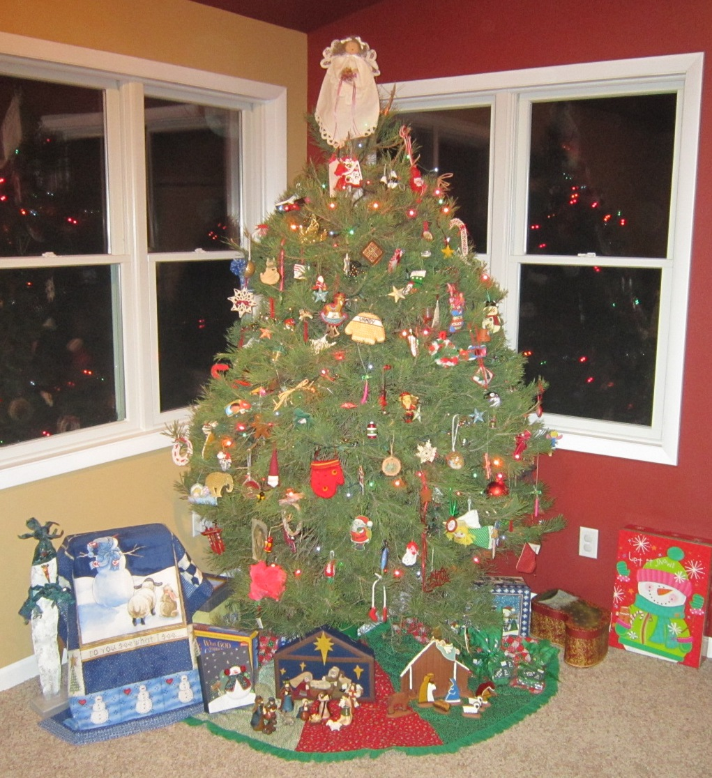 9 Decorated & lighted.jpg