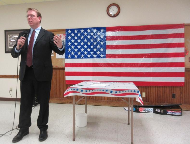 Rob Hogg speaks to Senate 10 Progressives in Panora Nov 16.JPG